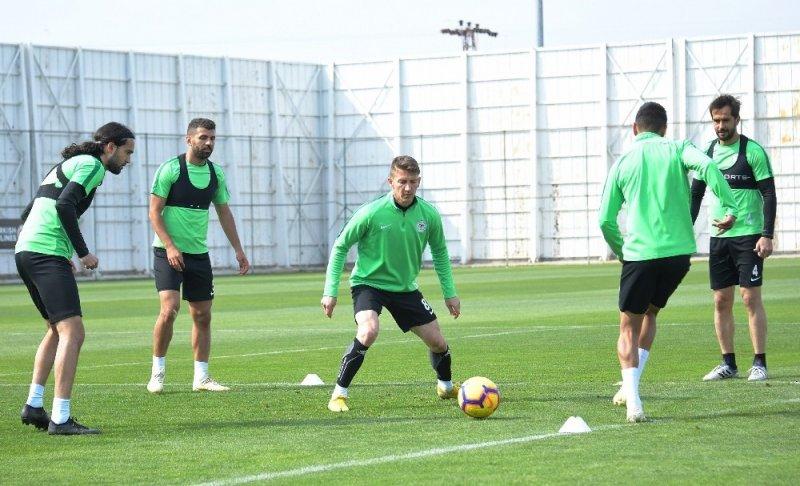 Atiker Konyaspor, Başakşehir hazırlıklarını sürdürdü