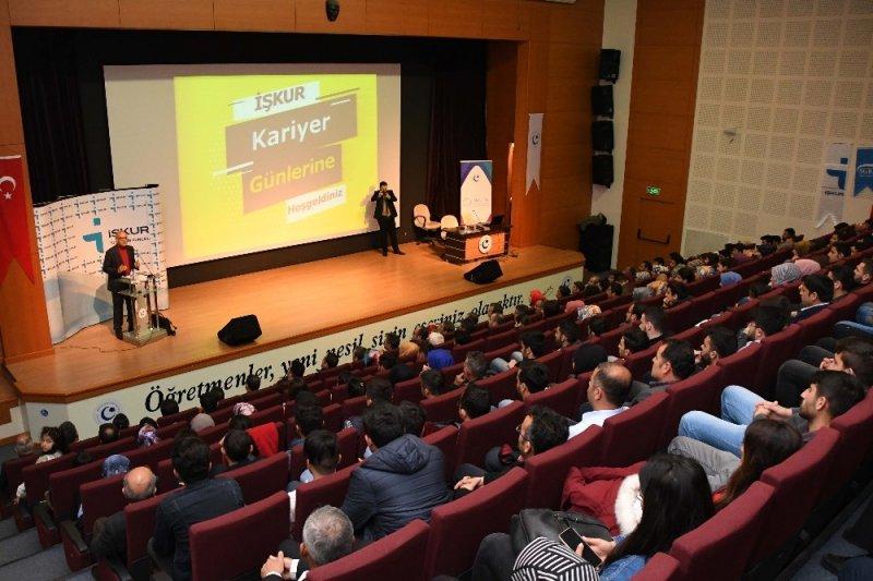 Adıyaman Üniversitesinde girişimcilik ve kariyer günü etkinliği