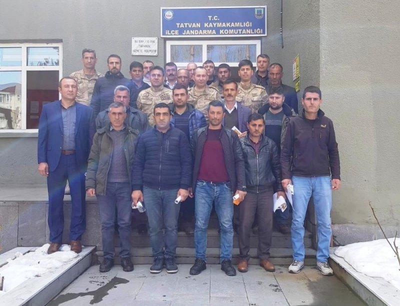 Tatvan'da görev yapan başarılı güvenlik korucuları ödüllendirildi