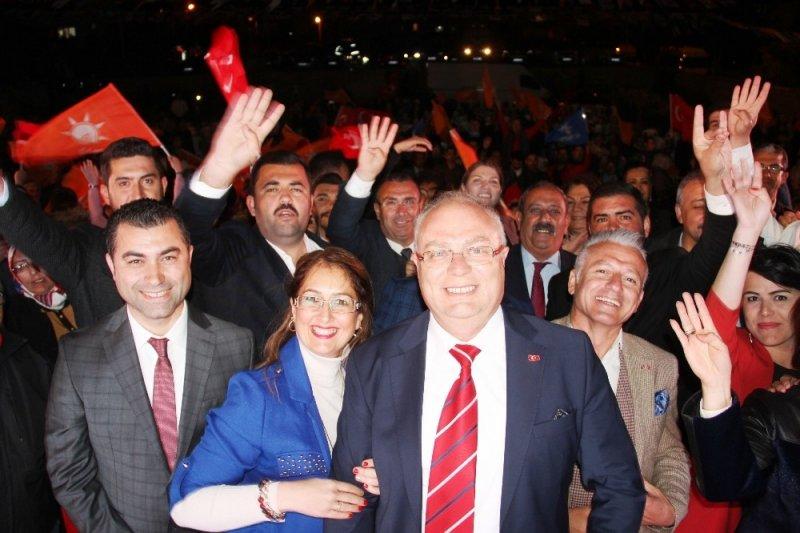 Cumhur İttifakı demokrasi mitinginde Tahir Ateş'le buluştu