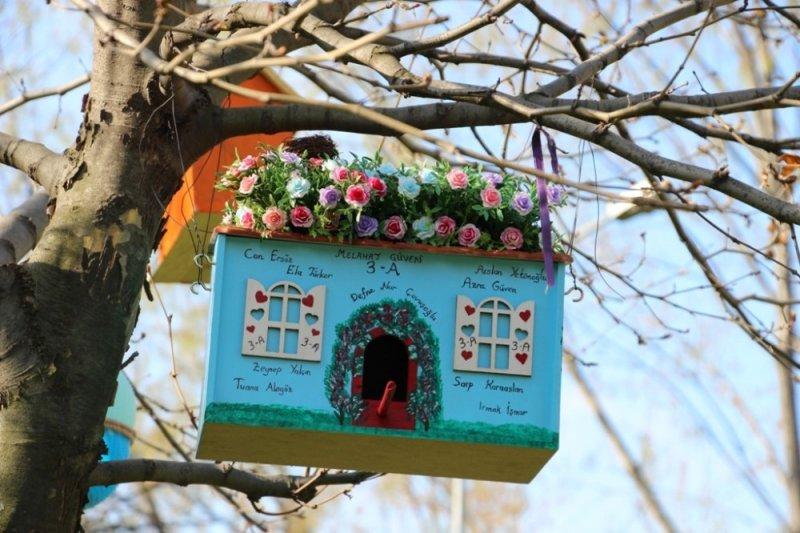 Üç Fidan Gençlik Parkı kuş evleri ile renklendi