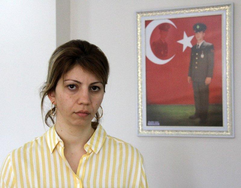 CHP'li Karalar'ın provokasyonla suçladığı şehit eşine Cumhurbaşkanı sahip çıktı