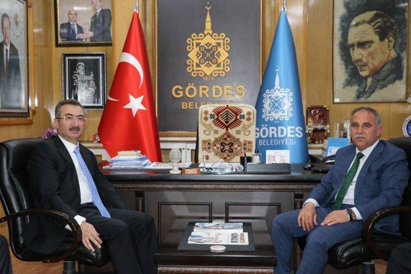 Bakan yardımcısı Ersöz, Gördes'te incelemelerde bulundu