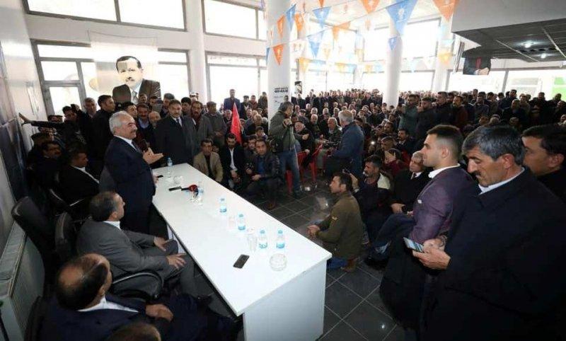 İçişleri Bakan Yardımcısı Mehmet Ersoy Erciş'te