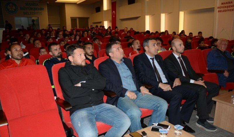 Manisa BBSK altyapısına 'Beslenme ve Anti-Doping' konulu seminer