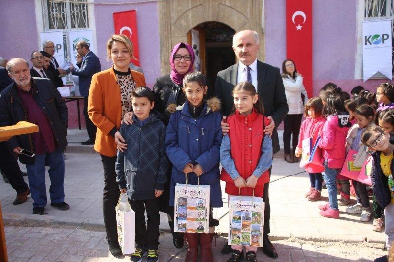Karaman'da en çok kitap okuyan çocuklar ödüllendirildi