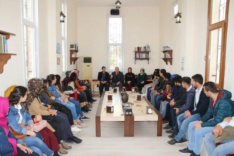 Öğrencilerden KİTAM ve Kıraathane okuma etkinlikleri