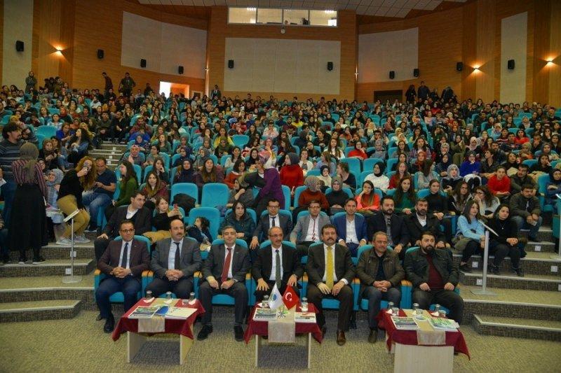 İŞ-KUR, kariyer günleri konferansı düzenledi
