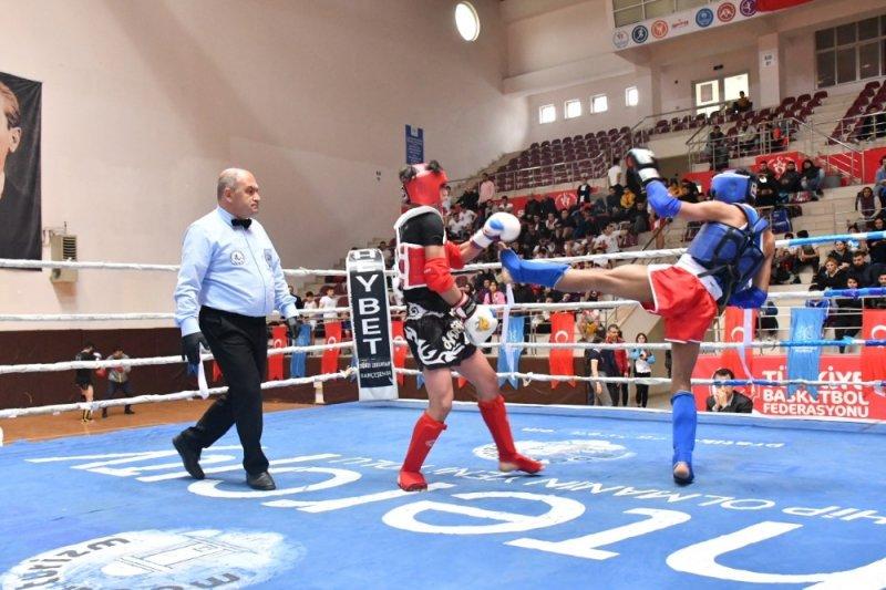 Kick Boks Turnuvası'nda kıran kırana rekabet