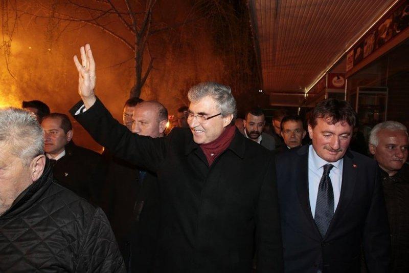 Yüce, Ferizli'de mitinge katıldı