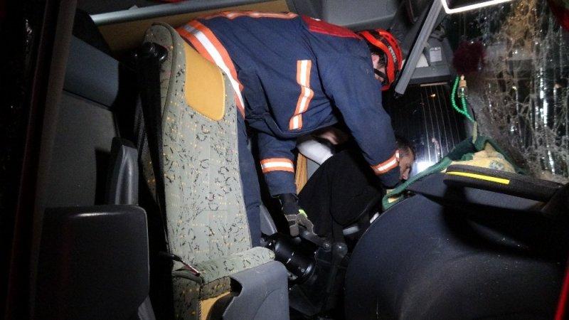 TEM'de aşırı sis zincirleme kazaya neden oldu: 1 yaralı