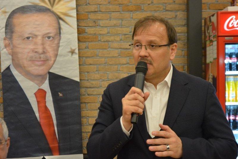 Çavuşoğlu: FETÖ sufle yapıyor CHP söylüyor