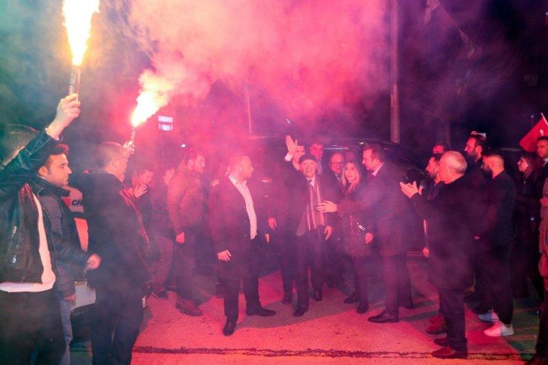 Yenimahalle Belediye Başkanı Yaşar'a coşkulu karşılama