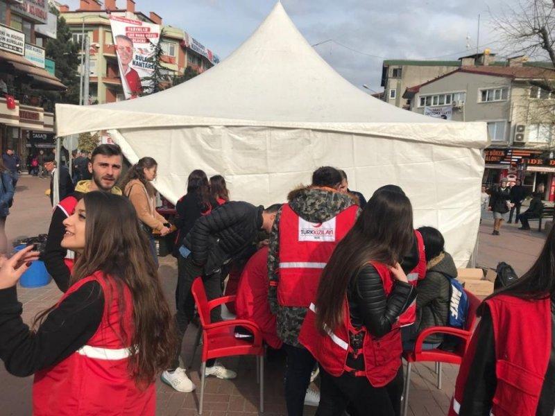 Kızılay'a MYO Genç Kızılay Grubu öğrencilerinden tam destek