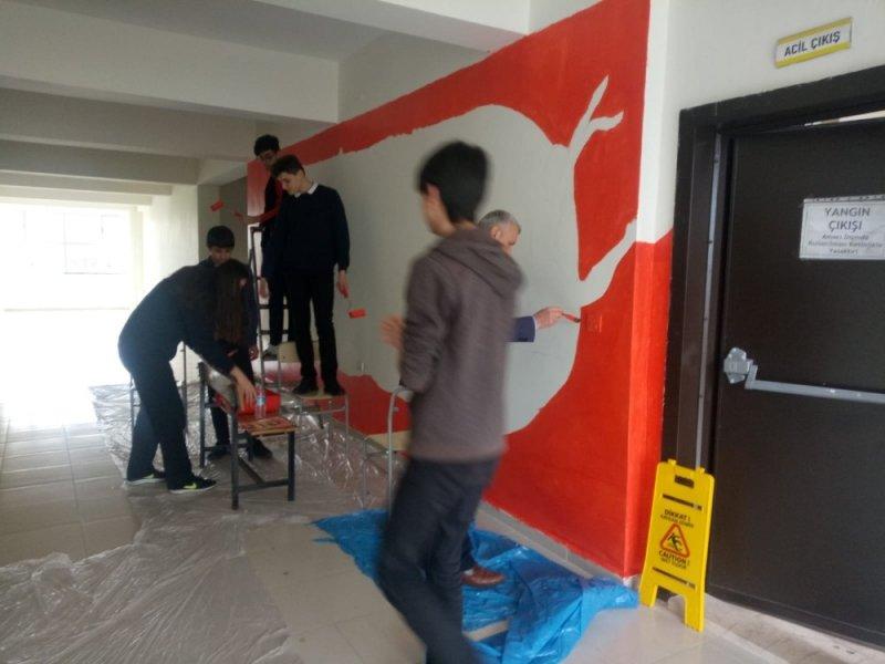 Lise öğrencileri ünlü ressamların eserlerini duvarlarında yaşatacak