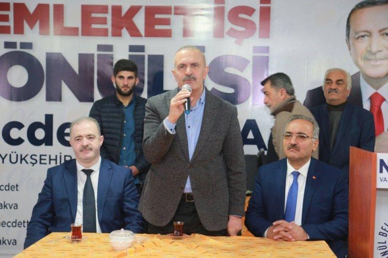 AK Parti'li Kayatürk, bir günde 4 ilçesi ziyaret etti