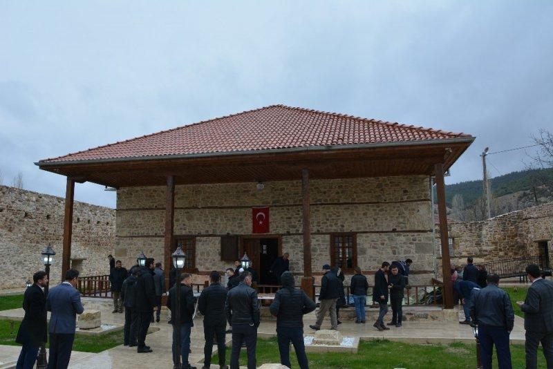 700 yıllık Alaaddin Camii cuma namazıyla yeniden ibadete açıldı