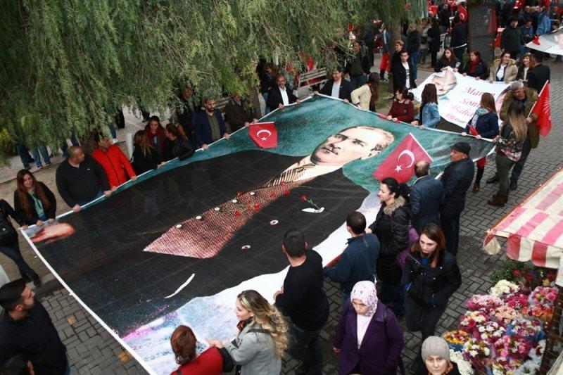 Millet İttifakı'ndan Bayraklı'da büyük yürüyüş