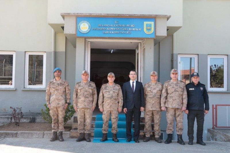 Jandarma Genel Komutanı Orgeneral Arif Çetin'den Doğu Karadeniz çıkartması