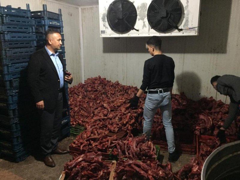 Mersin'de 1 ton kaçak kesilmiş tavuk eti ele geçirildi
