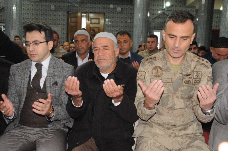 Cizre'de şehit askerler için Türkçe ve Kürtçe mevlit okutuldu