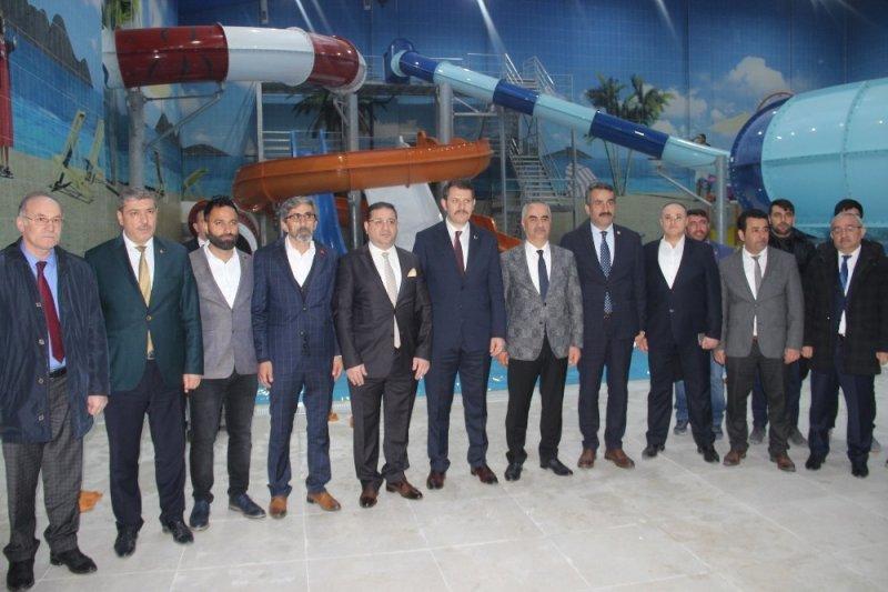 Sivas'ın ilk kapsamlı Aquaparkı hizmete girdi