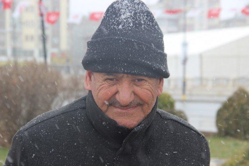Baharı bekleyen Sivas'ta Mart ayında kar sürprizi