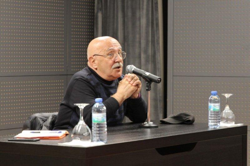 Prof. Dr. Ahmet İnam kitaplarda bulunmayan felsefeyi anlattı