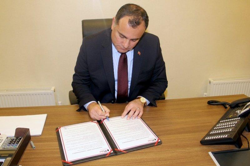 """Başkan Taşdelen """"Kadın Dostu Kent Taahhütnamesi""""ni imzaladı"""
