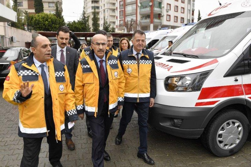 Adana'ya 9 ambulans
