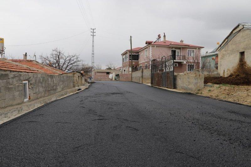 Yalnızbağ Beldesinde sıcak asfalt dökümüne başlanıldı