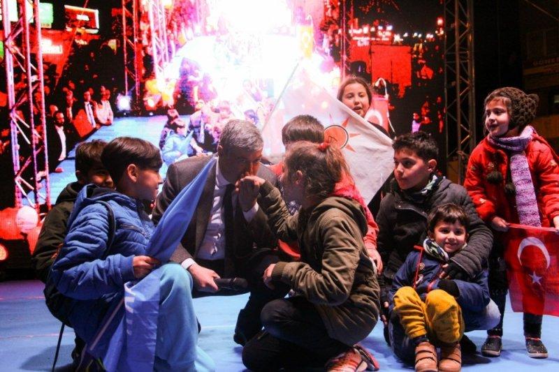 Fuat Akdoğan'ın son mitinginde izdiham yaşandı