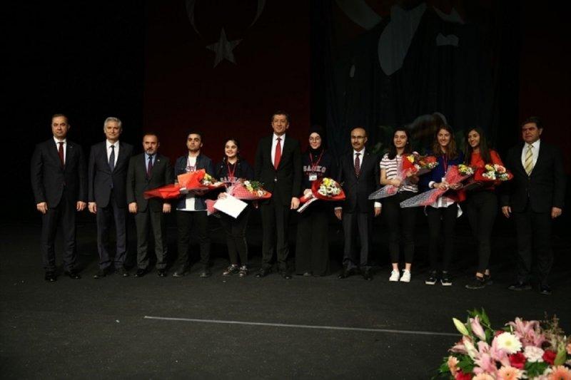 Gaziantep Kolej Vakfı Fen Lisesi'nden Umut Dinç'e TÜBİTAK Ödülü