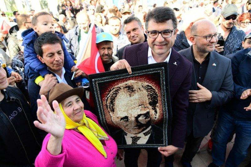 Bodrum adayı Mehmet Tosun, son mitinginde binlerce kişiye seslendi
