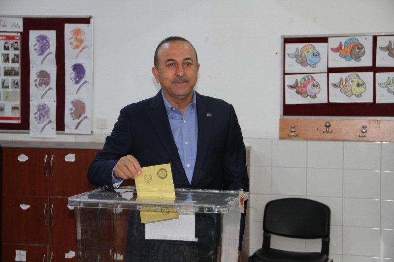 Dışişleri Bakanı Çavuşoğlu oyunu Alanya'da kullandı
