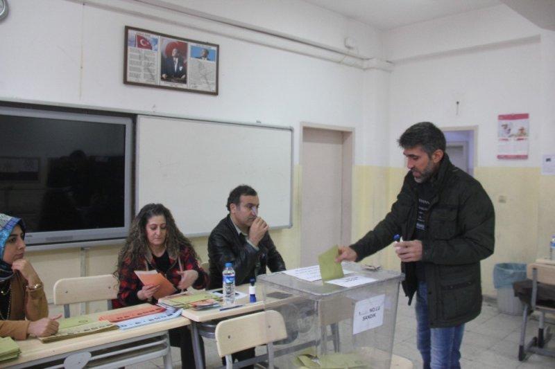 Bingöl'de seçmenler sandık başında