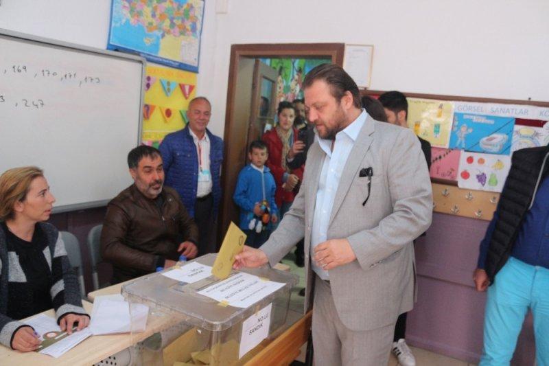 Marmaris'te adaylar oylarını kullandı