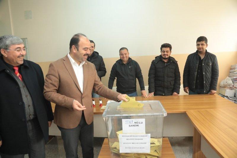 Şanlıurfa Büyükşehir Belediye Başkanı Nihat Çiftçi oyunu kullandı