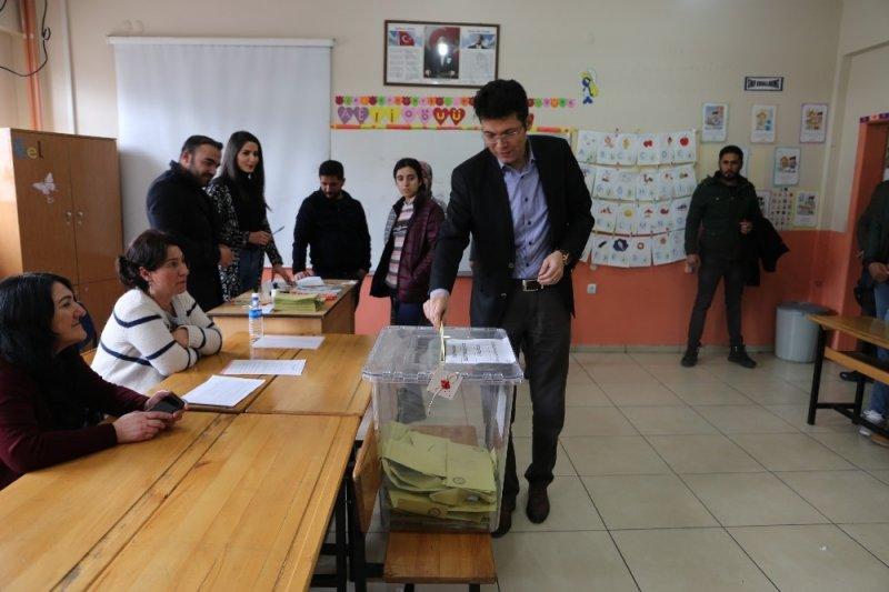 Varto'da seçim sorunsuz devam ediyor