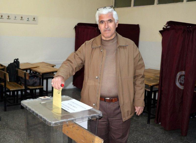Yozgat'ta oy verme işlemi devam ediyor