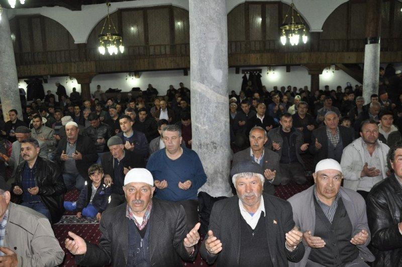 Miraç Kandilinde Şuhut'ta camiler doldu taştı
