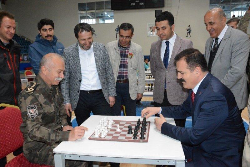 Hakkari'de 'Satranç Turnuvası İl Birinciliği' müsabakası