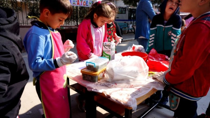 Minik öğrencilerden pasta atölyesi