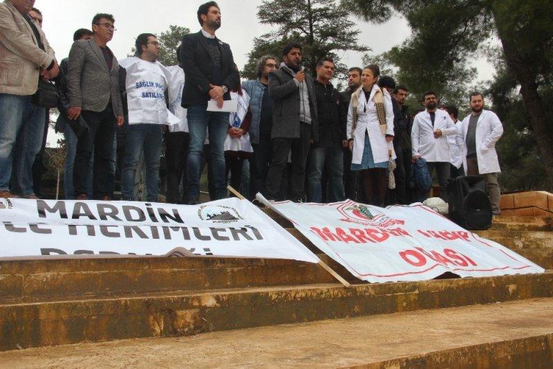 Sağlıkçılar Mardin'de tepki için iş bıraktı