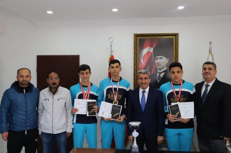 Sarı, Türkiye şampiyonlarını ağırladı