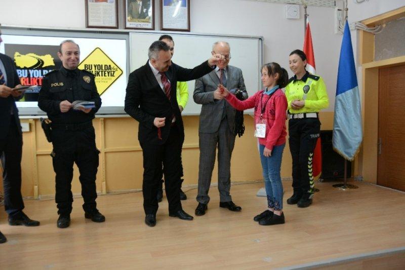 Öğrencilere güvenli okul giriş ve çıkışları öğretildi