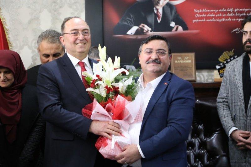 Artvin Belediye Başkanlığı'nda devir teslim töreni