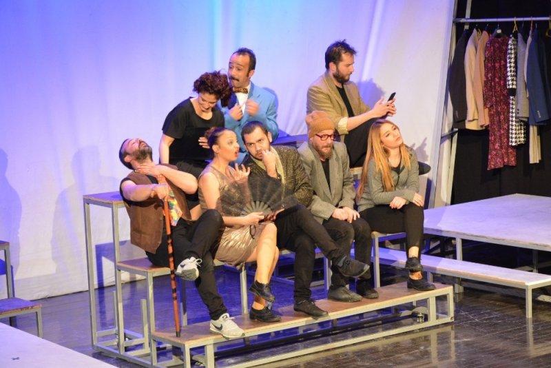 Hayat Böyledir İşte tiyatro oyunu ilgi ile izlendi
