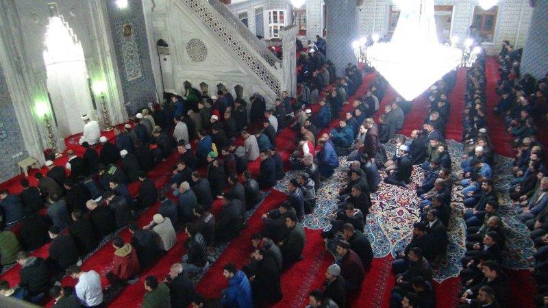 Şanlıurfa'da Miraç Kandili programına binlerce kişi katıldı