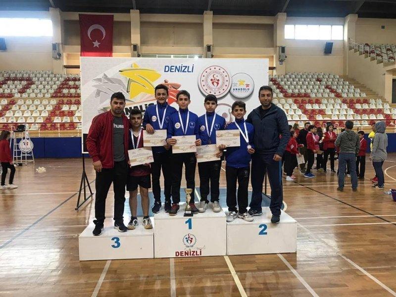 Badminton Analigde Türkiye Üçüncüsü oldu